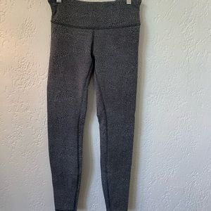Lululemon Size 6 Wunder Under Tights
